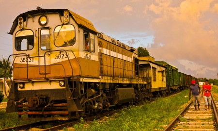 A Jutinicú también se llega en tren (Foto: Mónica Baró)