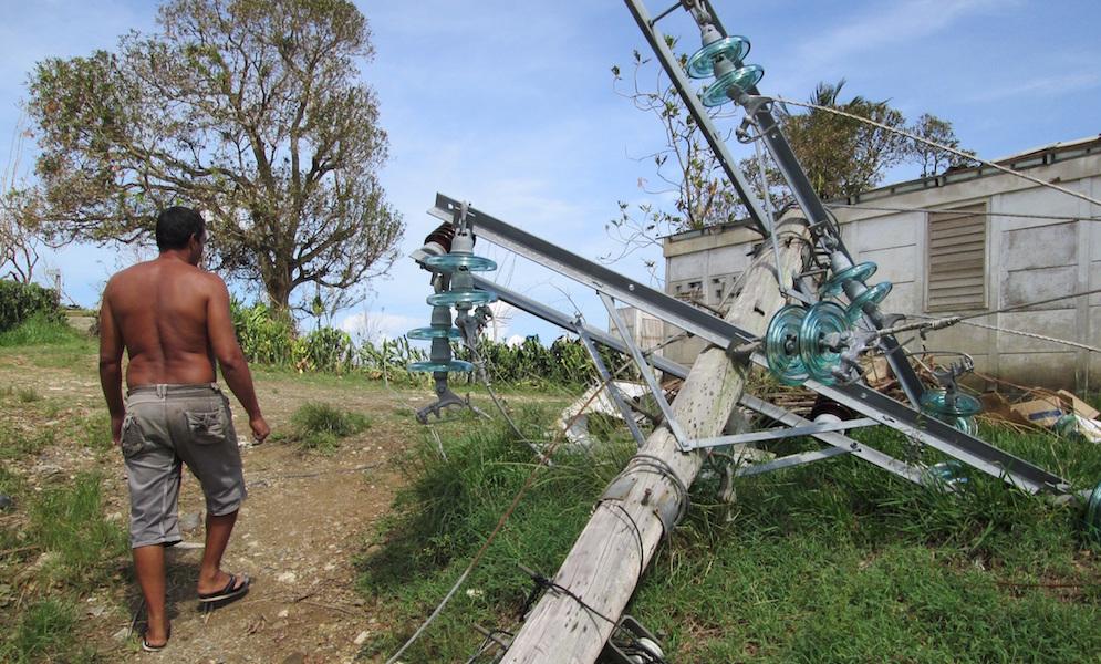 El viento se llevó los postes del tendido eléctrico (Foto: Carlos Alejandro Rodríguez)
