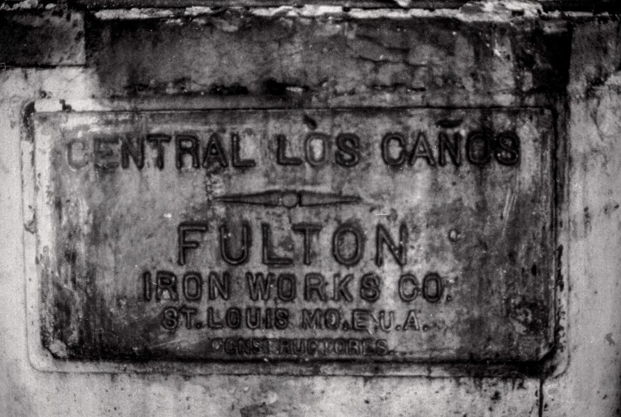 """El Central Paraguay, antiguamente denominado """"Los Caños"""", fue construido en 1877 por el francés J.F. Rancolls y luego pasó a manos del estadounidense Teodoro Brooks. En 1909 fue adquirido por The Guantánamo Sugar Company. (Foto: Alejandro Ramírez Anderson)"""