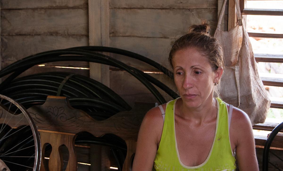 Yiley y su familia viven por ahora en las dos habitaciones que han podido techar (Foto: Julio Batista)