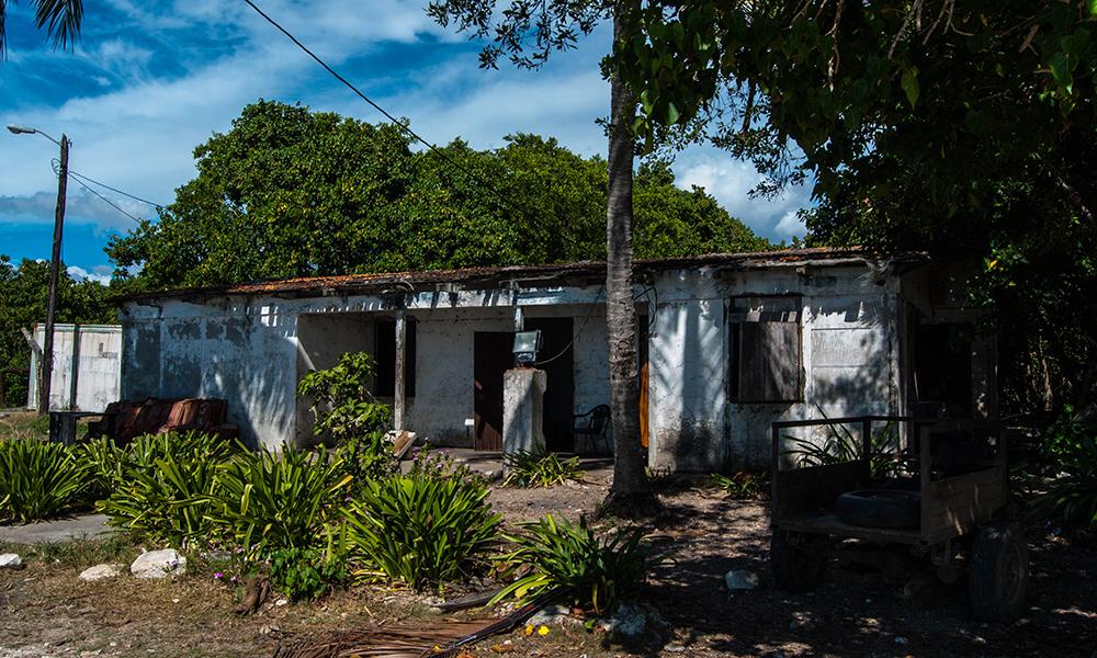 El viejo cuartel es el único edificio que sobrevivió a la demolición (Foto: Julio Batista)