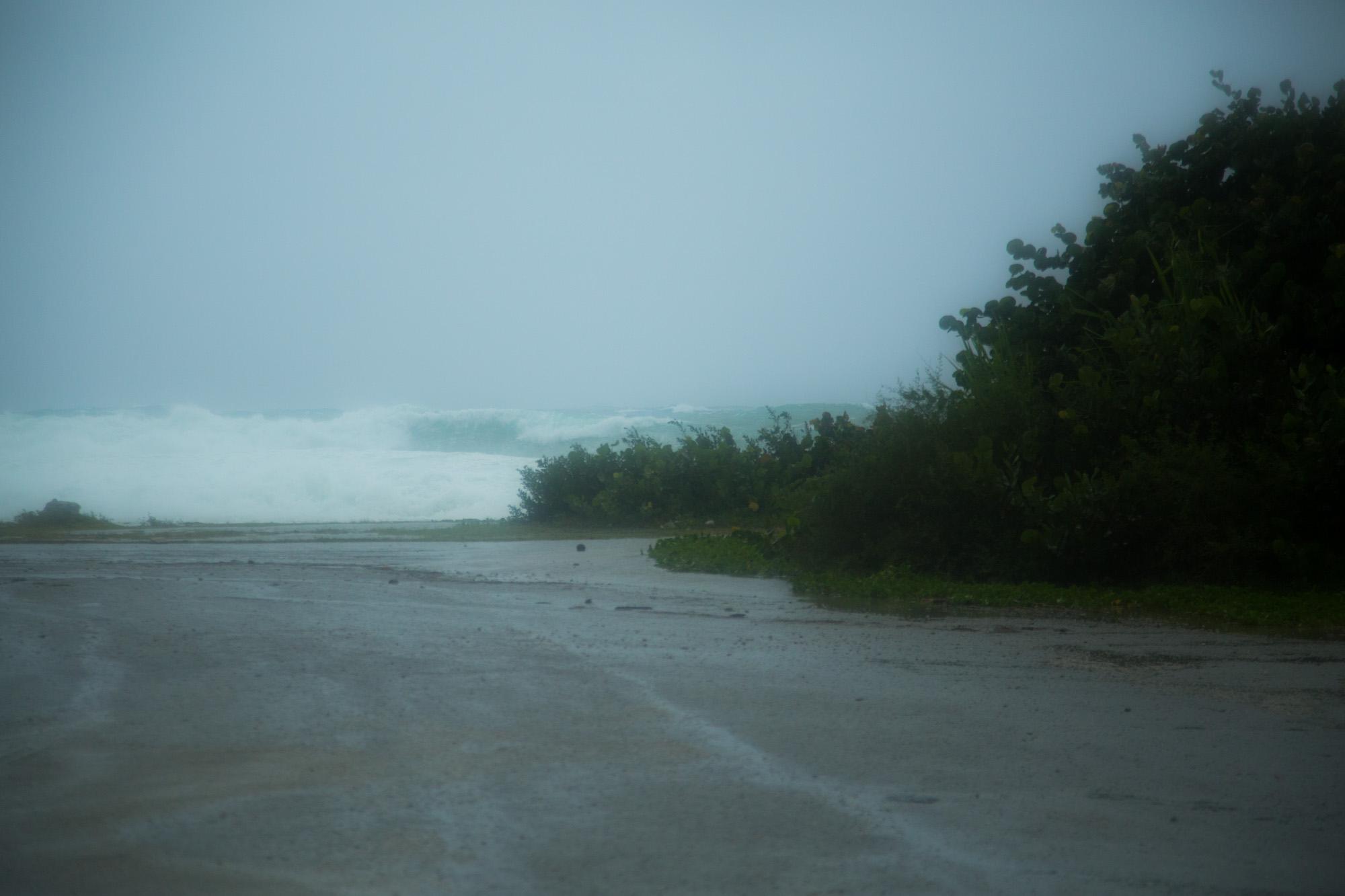 En esta zona las olas alcanzaron unos cuatro metros de altura (Foto: Jorge Ricardo)