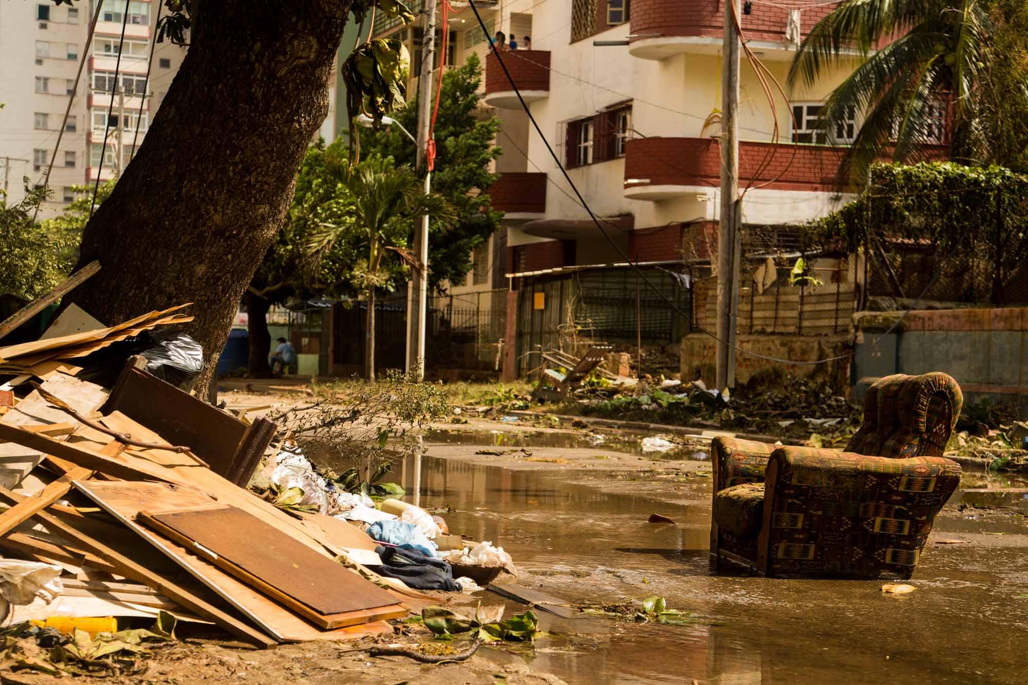 Pérdidas materiales de los residentes en las zonas bajas del Vedado (Foto: Jorge Ricardo)