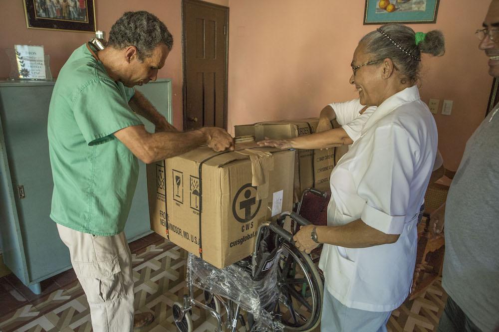 Unos días después, el Consejo de Iglesias entregó una ayuda en un hogar para ancianos (Foto: Erick Colk)