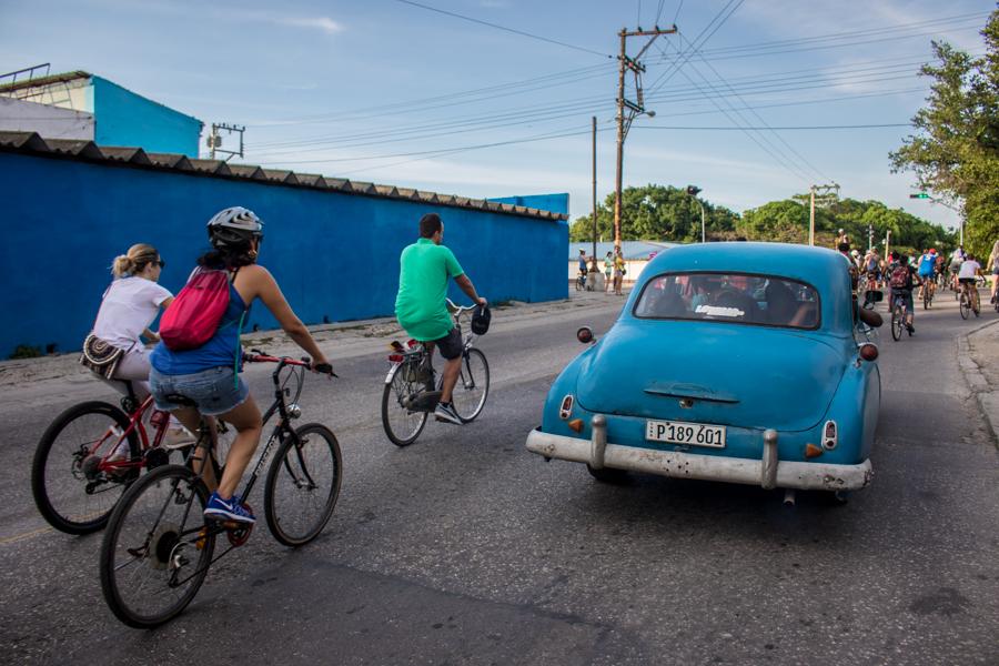 En La Habana, los problemas con el transporte público son algo común, y la bicicleta se ofrece como una alternativa sana y viable