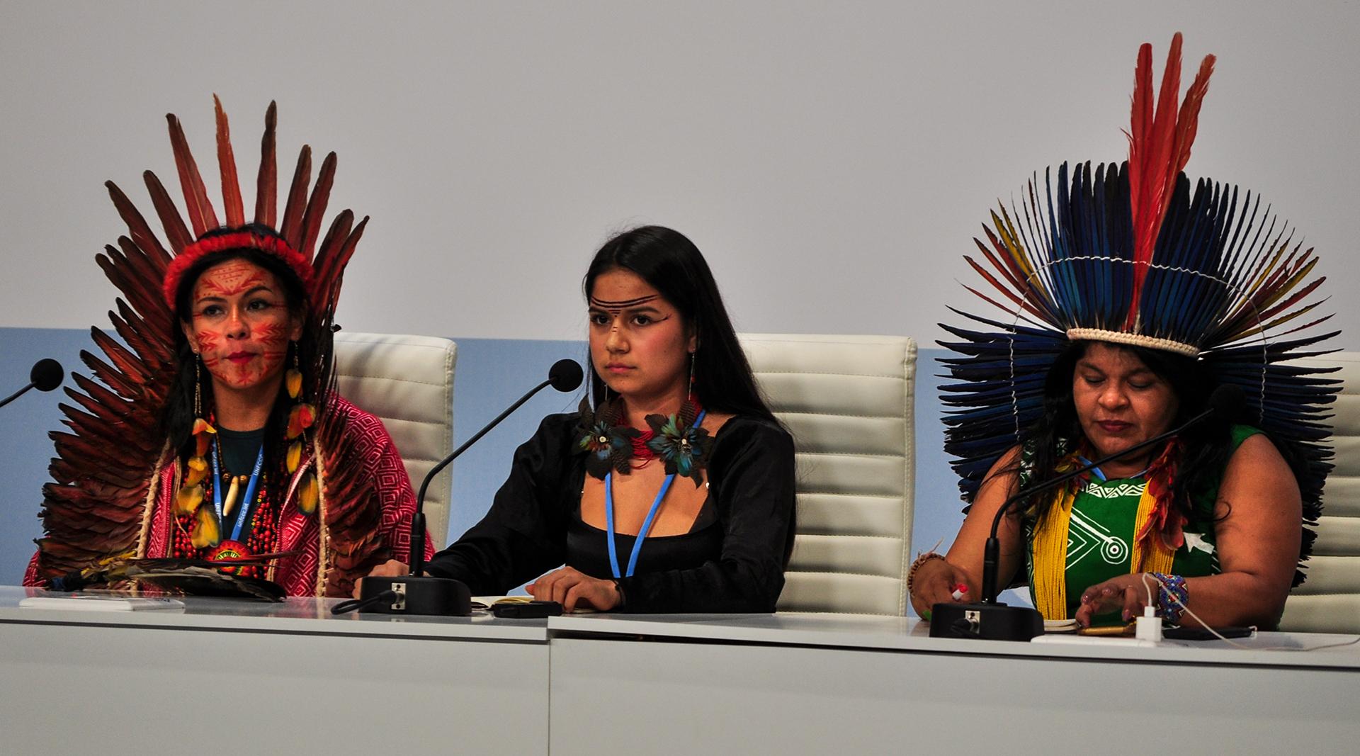 Líderes femeninas de los pueblos originarios fueron muchas veces las encargadas de representar a sus comunidades (Foto: Julio Batista).
