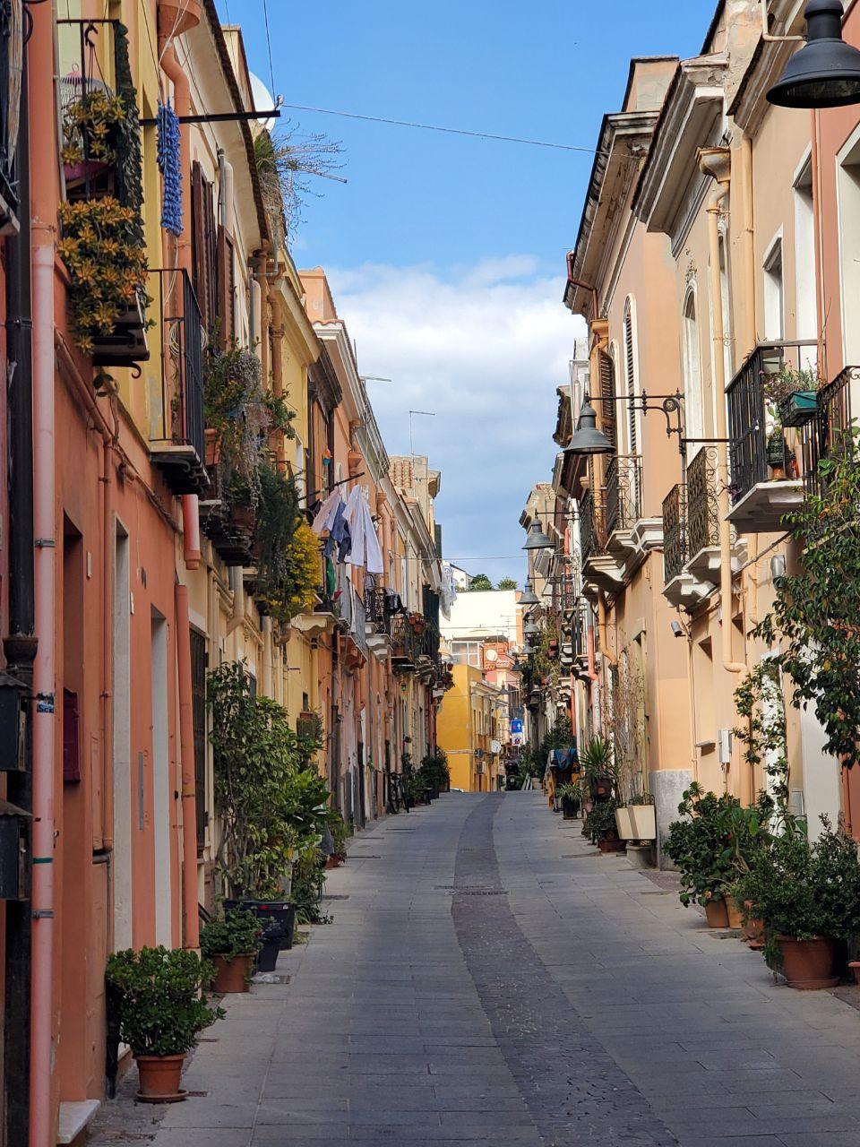 Este viernes 20 de marzo de 2020, Italia registró un nuevo récord en la cifra de fallecidos con un total de 627 en 24 horas. Los ciudadanos de Cagliari permanecen en cuarentena (Foto: Miguel Ángel Montero).