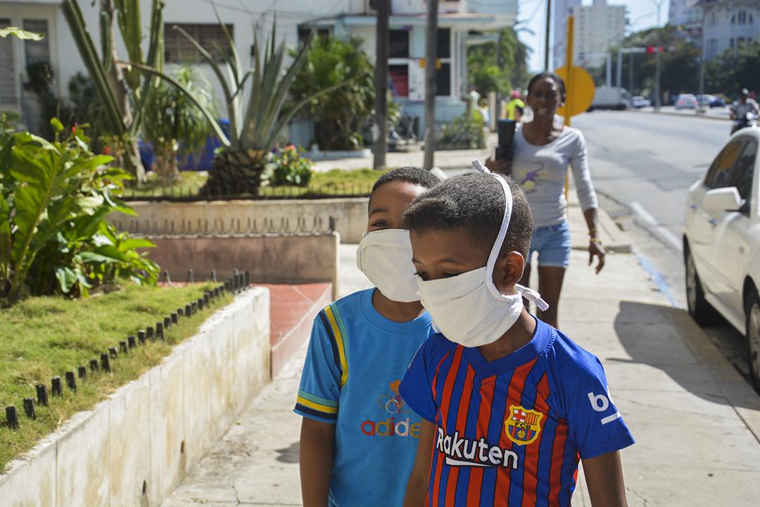 Se recomienda el uso de mascarilla facial en los espacios públicos (Foto: Yailín Alfaro)