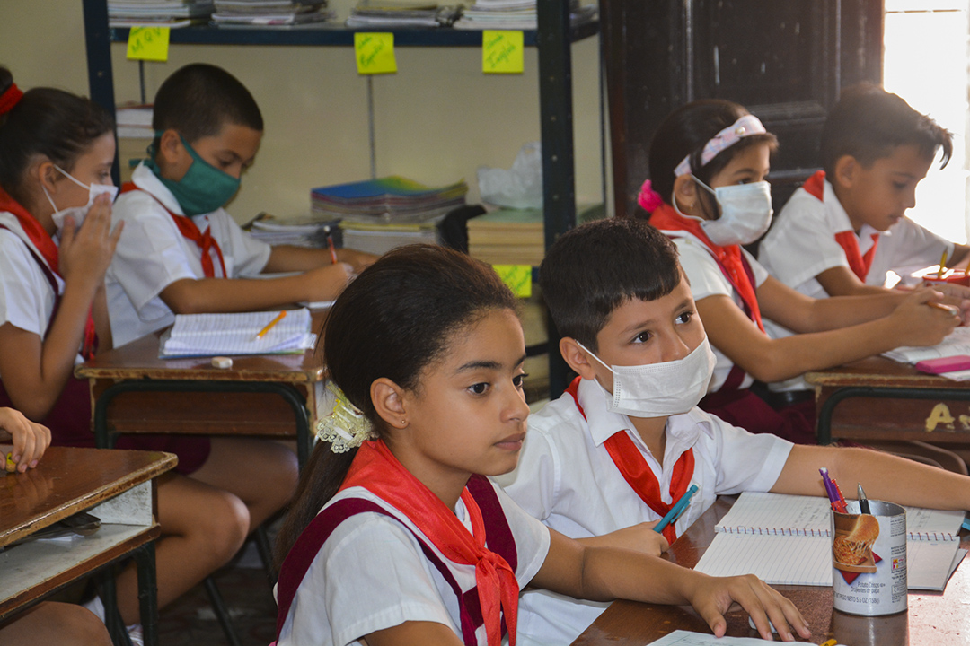 Este lunes comienzan las clases por televisión para los estudiantes cubanos (Foto: Yailín Alfaro)