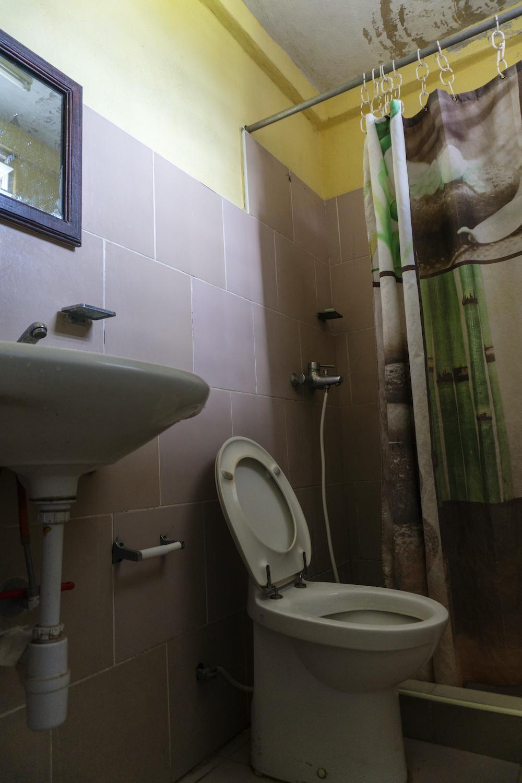 Inodoro para el sistema de miniflush, presente aún en ocho apartamentos del edificio (Foto: Chris Erland).