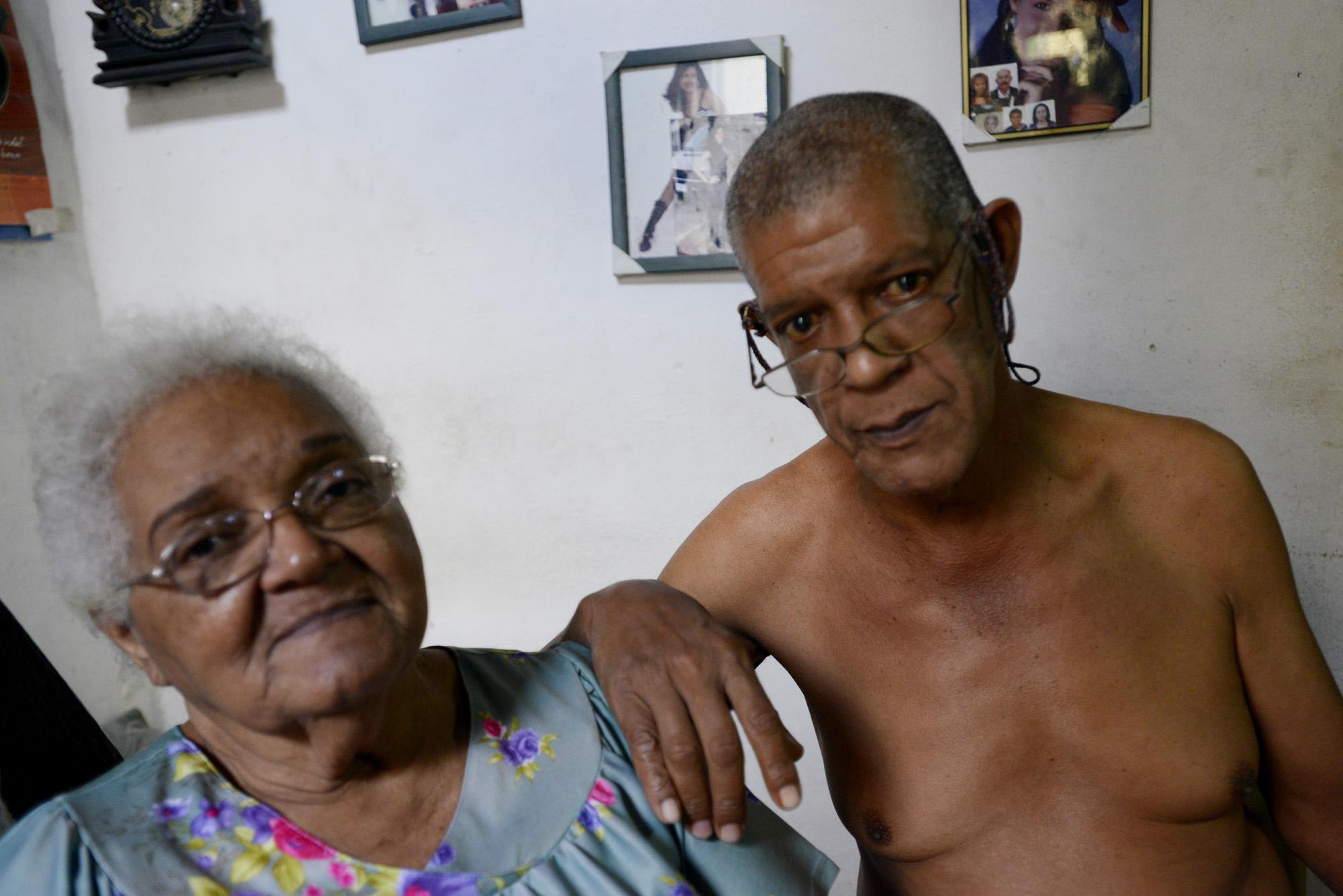 Yolanda Robinet Sarrión y su hijo (Foto: Abril).